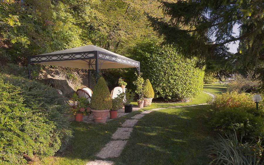 Arredo giardino, gazebo in legno, tende da sole e mobili in legno ...
