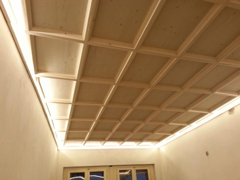 Soffitto In Legno Finto : Soffitto a cassettoni crocco profili in legno