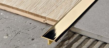 Giunto di ditalazione per pavimento in legno